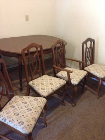 Table and Chairs     $80   This is a great project set, would look really nice painted and with new fabric on the seats.    View on Craigslist