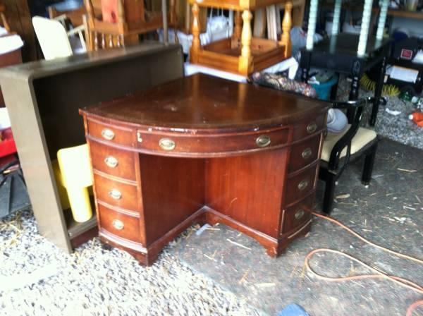 Vintage Corner Desk    $150    View on Craigslist