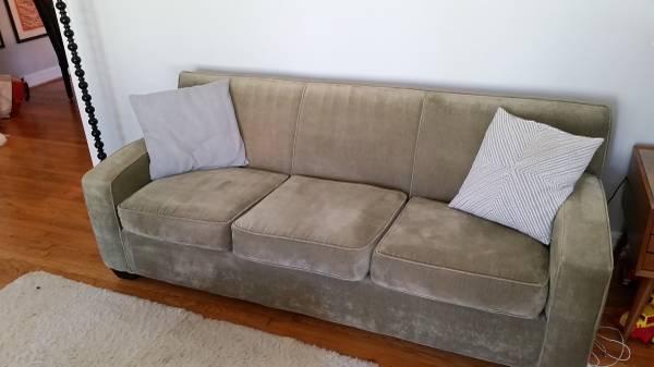 Storehouse Sofa     $350     View on Craigslist