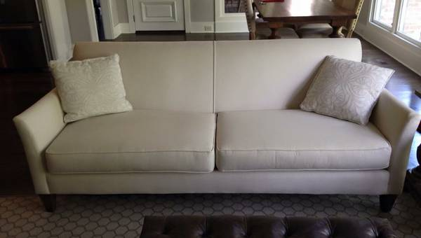 Sprintz Sofa     $450     View on Craigslist
