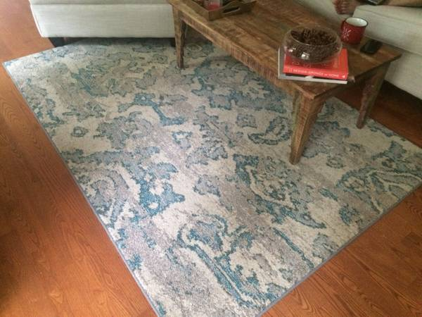 "5' 3"" x 7' 6"" Rug     $250     View on Craigslist"
