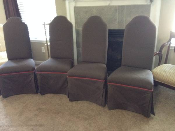 Set of Four Dining Chairs     $125     View on Craigslist