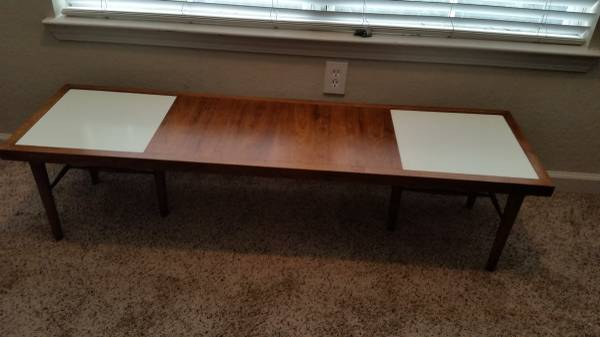 Mid Century Coffee Table     $65     View on Craigslist