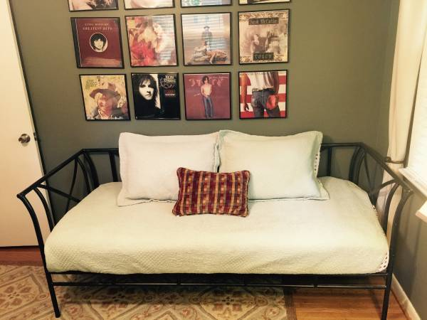 Pottery Barn Daybed     $150     View on Craigslist