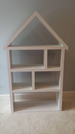 House Shaped Bookshelf     $60     View on Craigslist