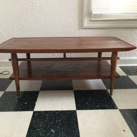 Mid Century Coffee Table     $40     View on Craigslist
