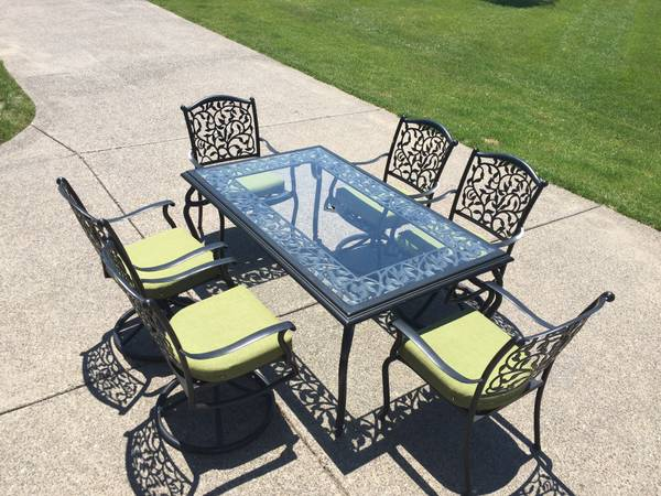 Patio Set     $250     View on Craigslist