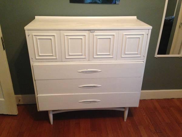 Mid Century Dresser $80 View on Craigslist