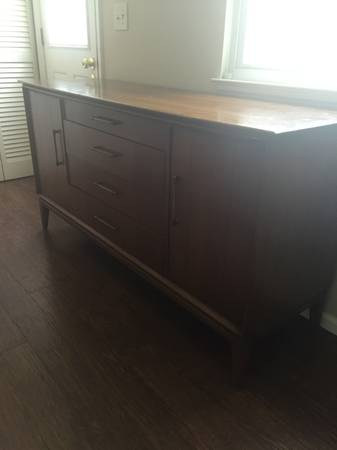 Mid Century Credenza     $200     View on Craigslist