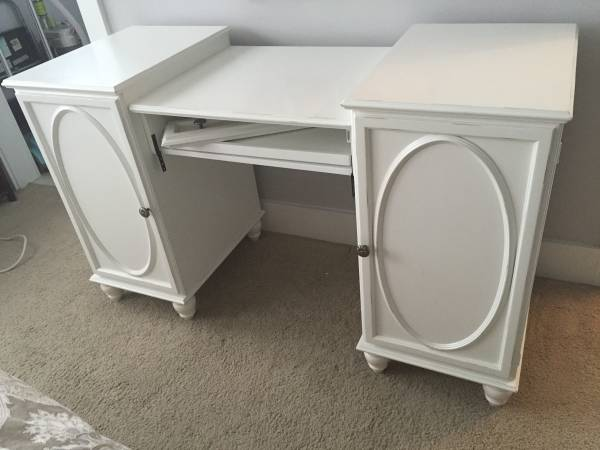 Pottery Barn Desk     $100     View on Craigslist