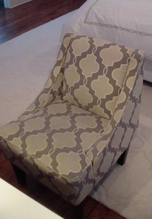 Accent Chair     $150     View on Craigslist