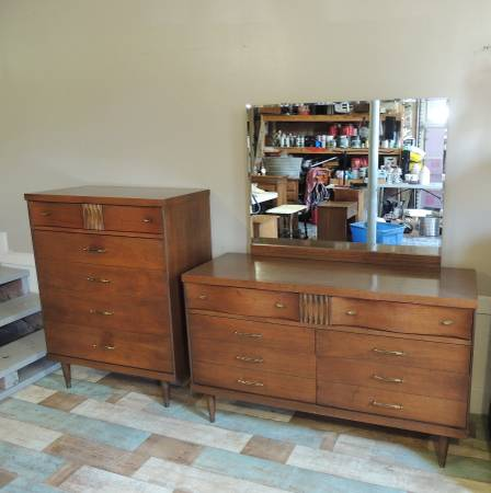 Mid Century Dresser and Chest     $325     View on Craigslist