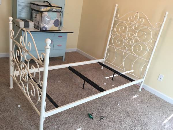 Twin Bed $125 I love the high headboard on this bed - leave white or spray paint any color.  View on Craigslist
