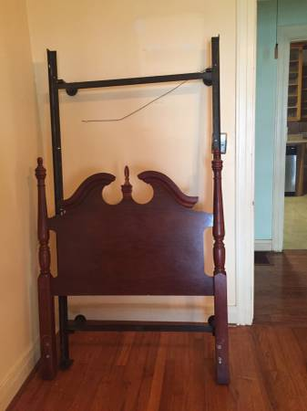 Twin Headboard     $75     View on Craigslist