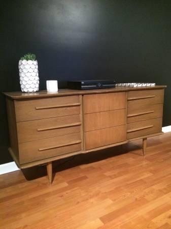 Mid Century Dresser/Credenza     $365     View on Craigslist
