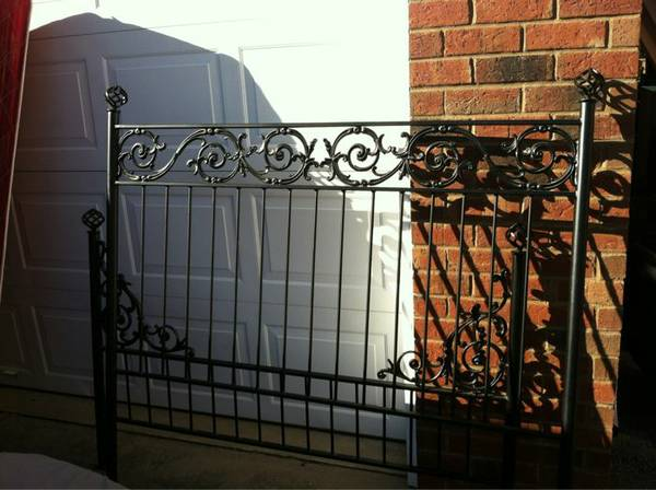 Queen Wrought Iron Bed     $150     View on Craigslist