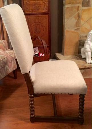 Set of 6 Dining Chairs     $600     View on Craigslist