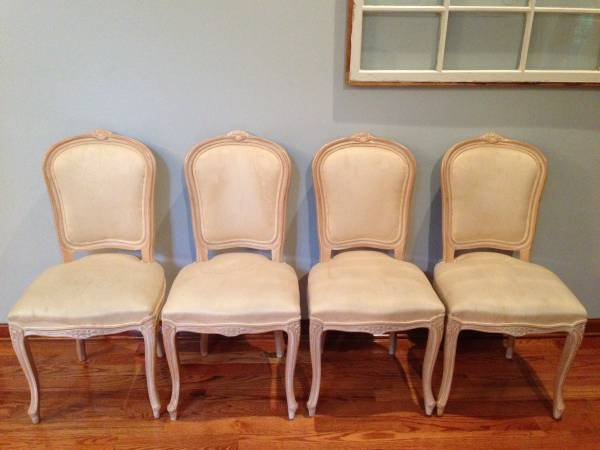 Set of 4 French Style Chairs     $40   This is a really good deal - these chairs need to be reupholstered.     View on Craigslist