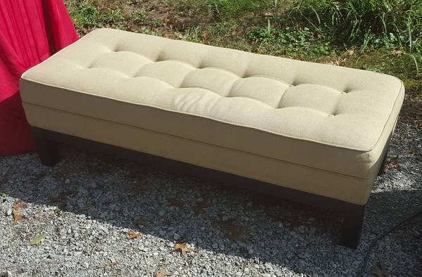 Bench/Ottoman     $10     View on Craigslist