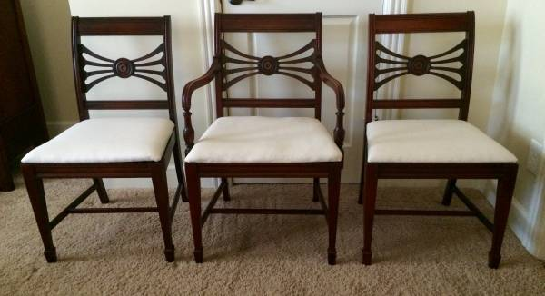 Set of 6 Antique Dining Chairs $300 View on Craigslist