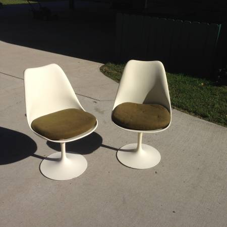 Pair of Vintage Tulip Chairs     $100     View on Craigslist