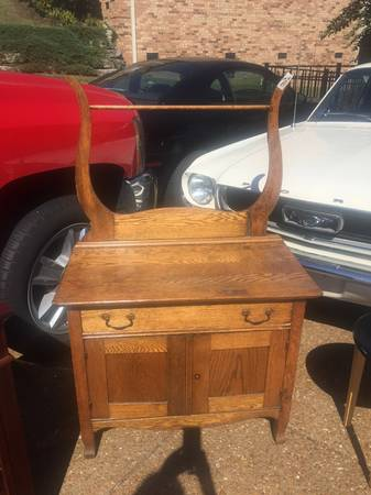 Antique Wash Stand     $75     View on Craigslist