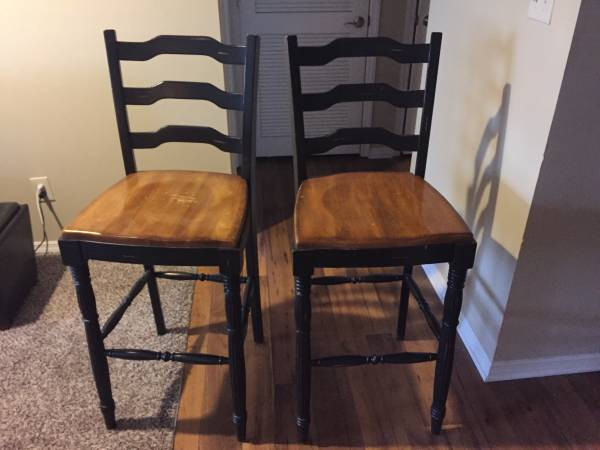 Pair of Bar Stools     $65     View on Craigslist