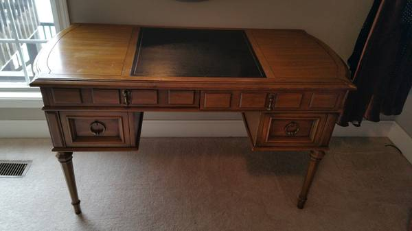 Antique Desk     $250     View on Craigslist