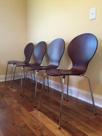 Set of 4 Chairs $125 View on Craigslist