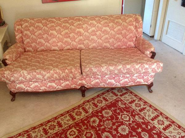 Pink Toile Sofa $50 View on Craigslist