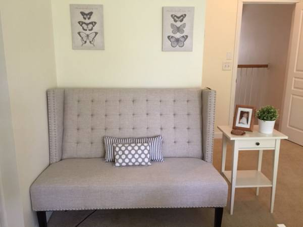 Tufted Loveseat     $465     View on Craigslist