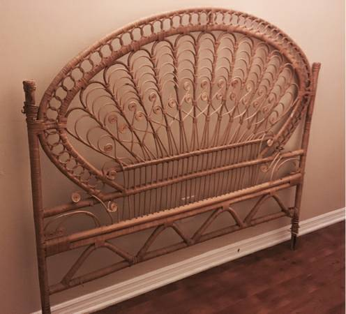 Wicker Headboard     $20   I love this headboard - leave as is or spray paint it!    View on Craigslist
