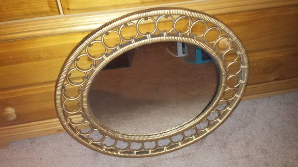 Gold Mirror     $20     View on Craigslist