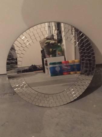 Round Mirror     $15     View on Craigslist