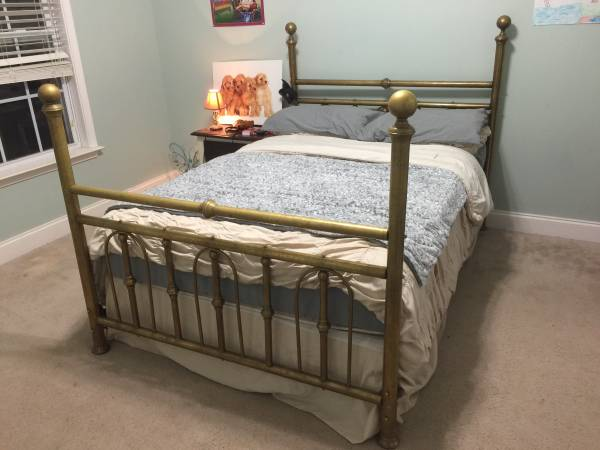 Full Size Brass Bed $65 View on Craigslist