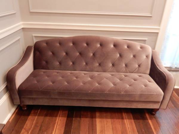 Tufted Velvet Sleeper Sofa $300 View on Craigslist