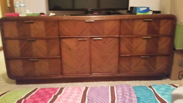 Dresser     $20     View on Craigslist