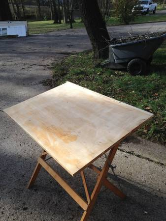 Art/Drafting Table     $20     View on Craigslist