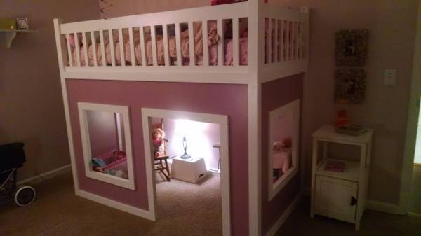 Playhouse Bed     $450     View on Craigslist