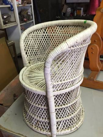 Wicker Chair     $10     View on Craigslist