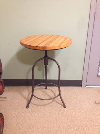 End Table $25 View on Craigslist