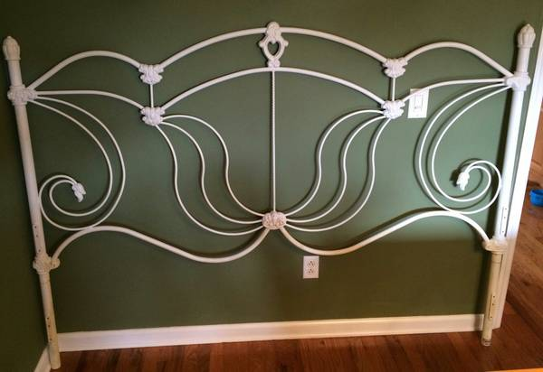King Iron Headboard     $75     View on Craigslist