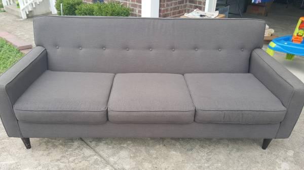 Macys Sofa     $175     View on Craigslist