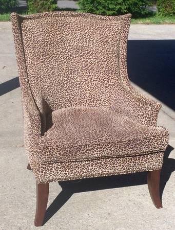 Sprintz Chair     $60     View on Craigslist