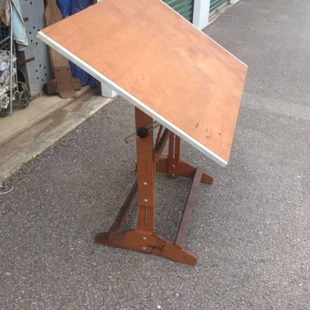 Vintage Drafting Table     $95     View on Craigslist