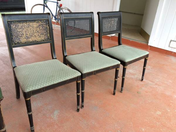 Dining Chairs     $15 each     View on Craigslist