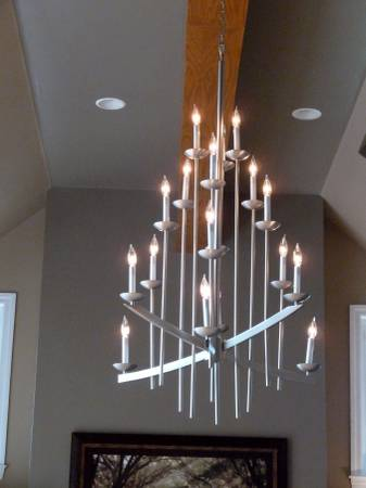 18 Light Chandelier     $275     View on Craigslist
