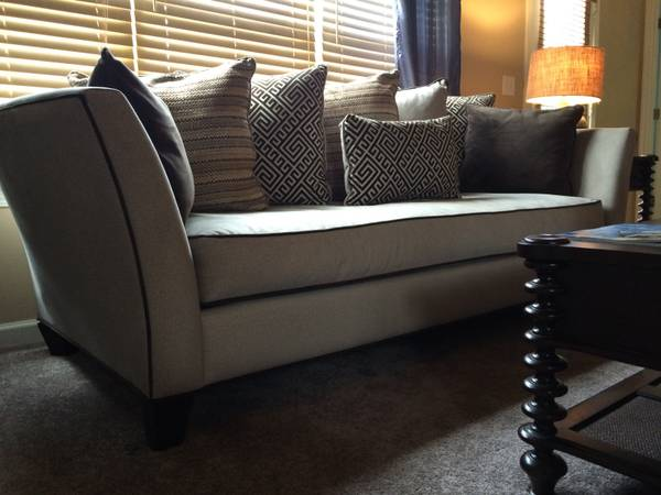 Sofa     $395     View on Craigslist