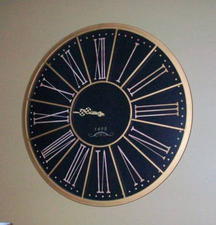 Wall Clock     $35     View on Craigslist