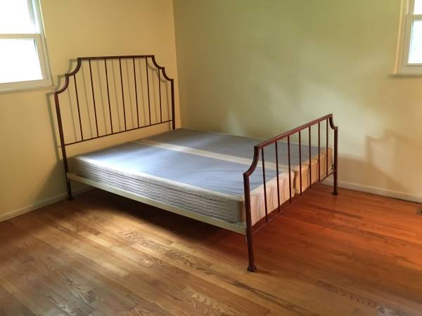 Queen Iron Bed     $150     View on Craigslist